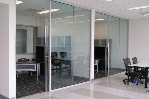 ALUR-Glass-and-Modular-Dividing-Walls_Kean-University_06